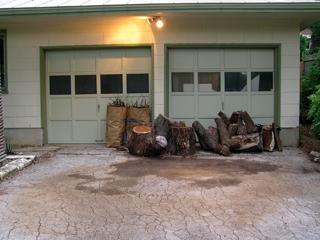 Zanthan Gardens mulch pile